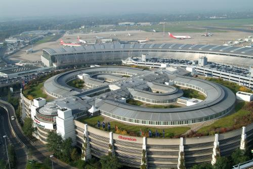 Dusseldorf, Germany airport Terminais Pinterest