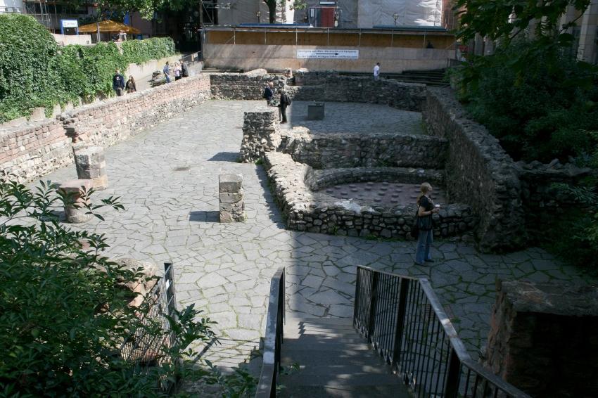 archeologische tuin bezienswaardigheden frankfurt