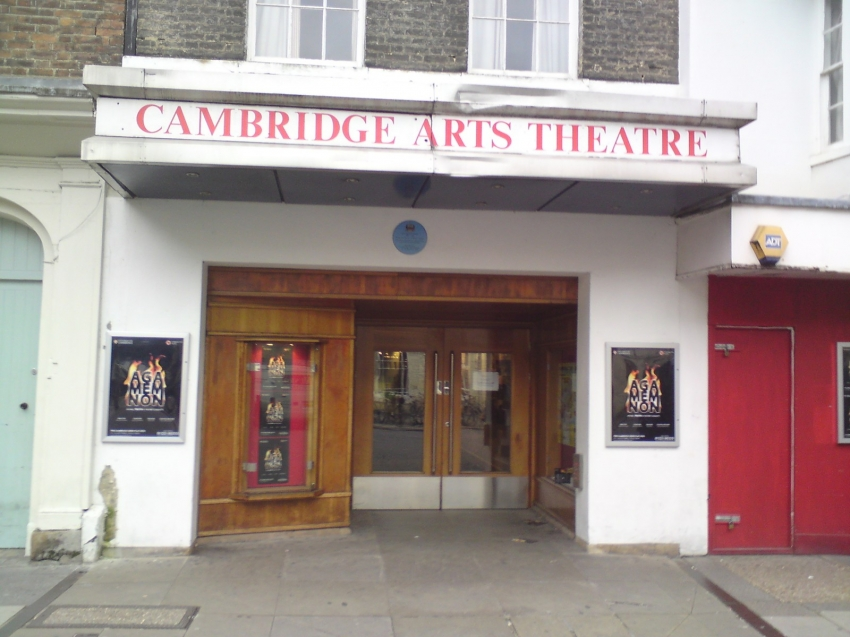 Hotels Near To Cambridge Theatre London