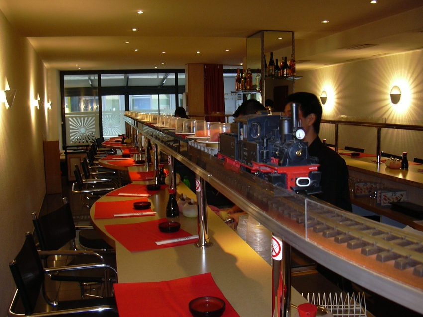 sushi train kiteki geneva cityseeker. Black Bedroom Furniture Sets. Home Design Ideas