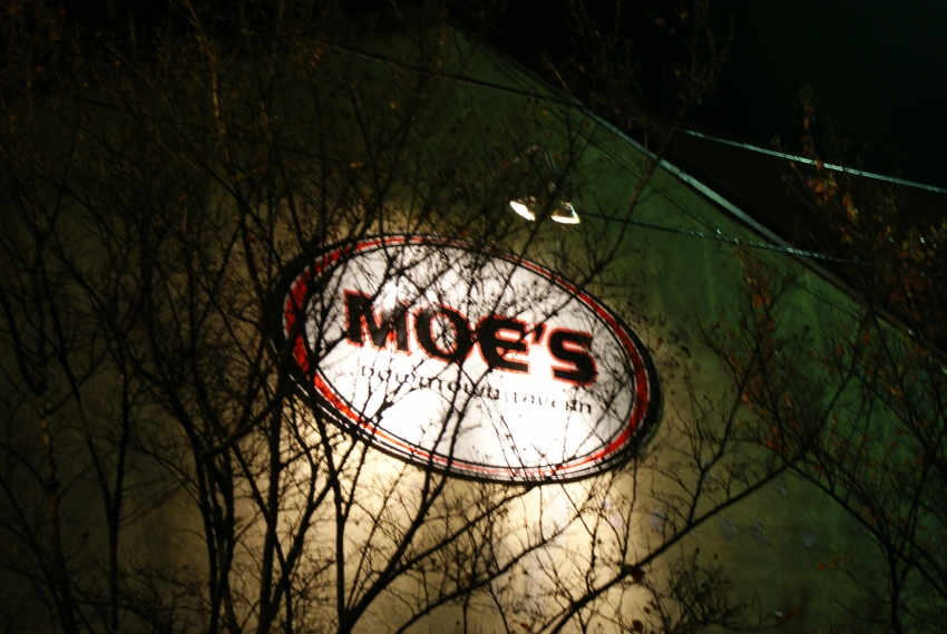 Moe's Crosstown Tavern - Charleston, SC