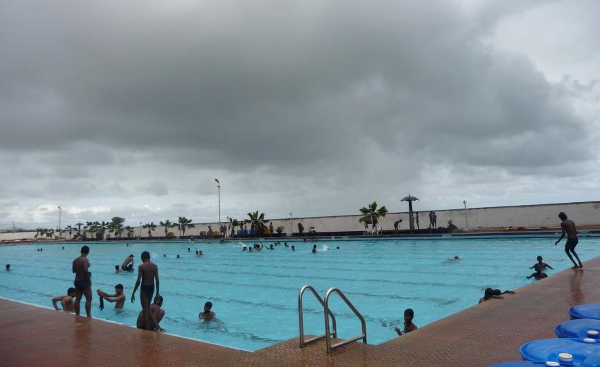 Marina swimming pool chennai cityseeker - Beach resort in chennai with swimming pool ...