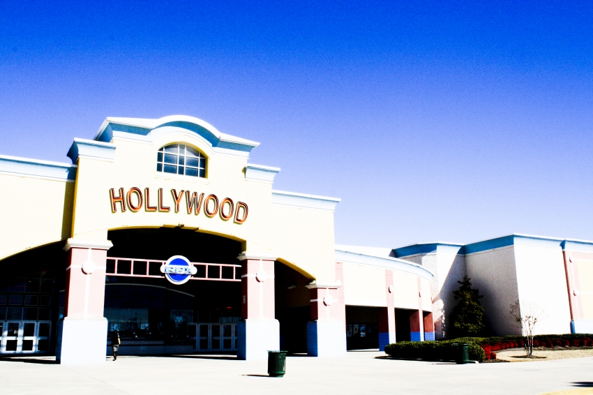 hollywood 20 movie theater greenville sc
