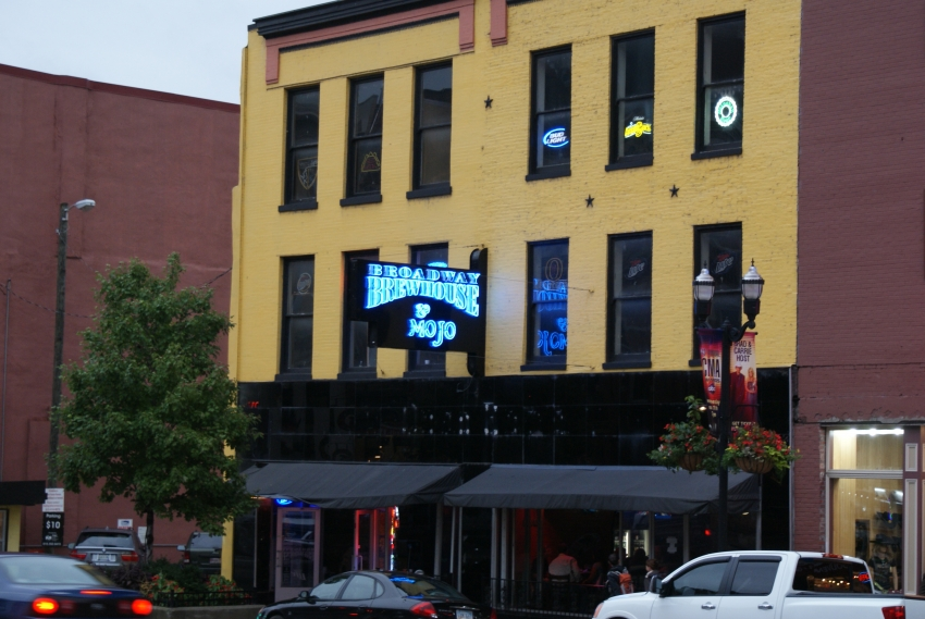 Broadway Brewhouse & Mojo Grll - Nashville, TN