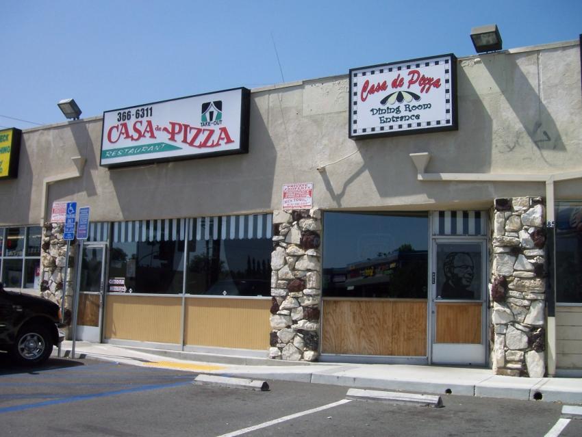 Casa De Pizza - Granada Hills, CA