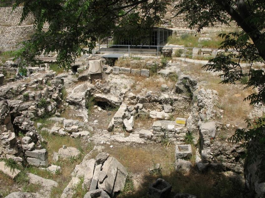Pool of bethesda jerusalem tourist attractions for Piscine de bethesda