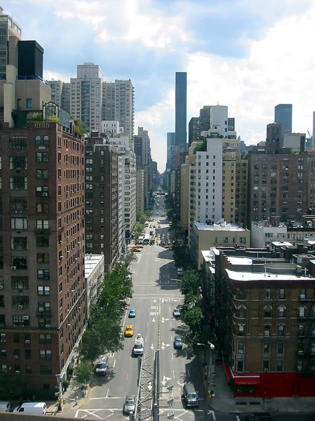 Mar 04, · New York; devasa gökdelenleri, kozmopolit yapısı, Özgürlük Heykeli, taksileri, köprüleri ve barındırdığı diğer unsurlar dolayısıyla sayısız filme ya arkaplan ya da konu olmuş ve tüm dünyanın ilgisini çekmiş bir şehir.