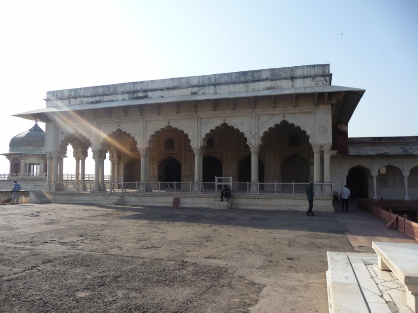 Diwan e khas agra tourist attractions sightseeing for Diwan e khas agra fort
